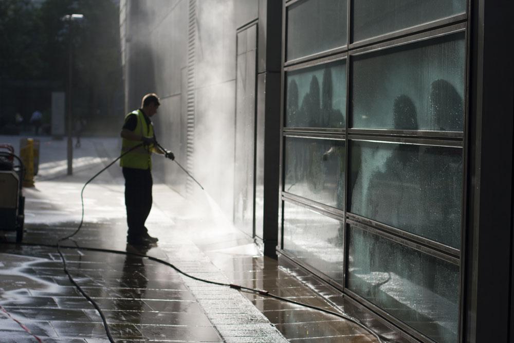 year round exterior cleanup maintenance